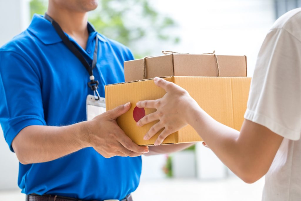 What is same day courier Service